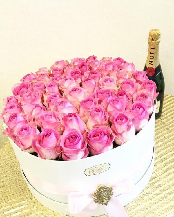 trandafiri in cutie, cutie cu trandafiri, trandafiri naturali in cutie